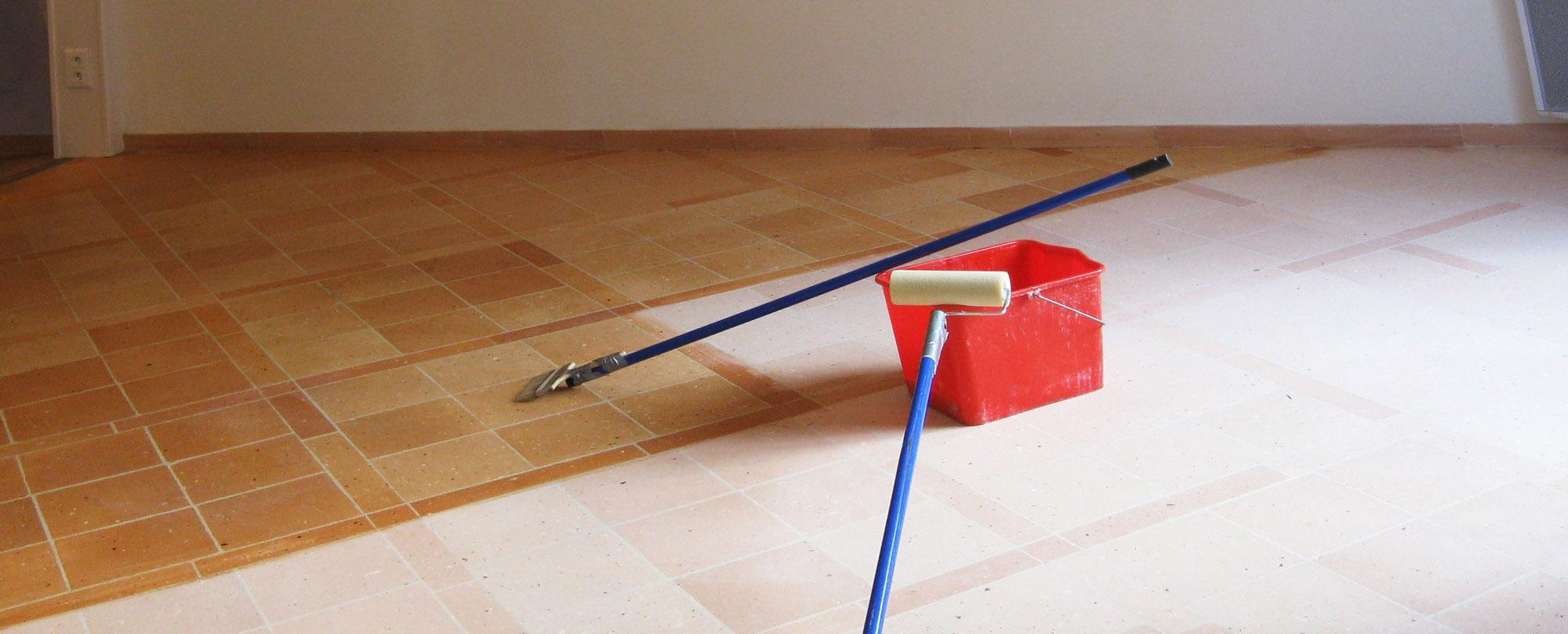 comment renover des tomettes restaurer with comment. Black Bedroom Furniture Sets. Home Design Ideas