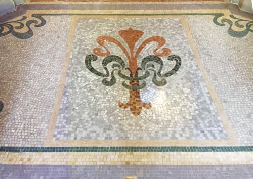 Création mosaïque de marbre Paris