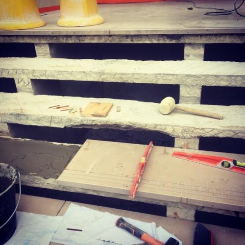 Restauration complète d'un escalier en marbre Comblanchien à Paris 15e